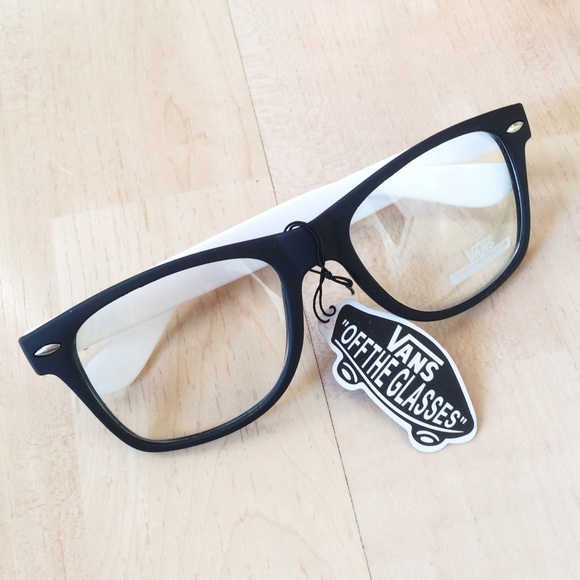 5de10f81f9b Black   White Vans Eyeglasses Spectacles