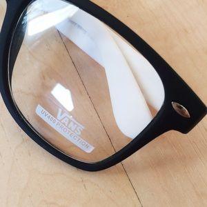 648e34a822d Vans Accessories - Black   White Vans Eyeglasses Spectacles