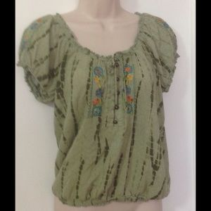"Tops - Green ""Boho"" shirt"