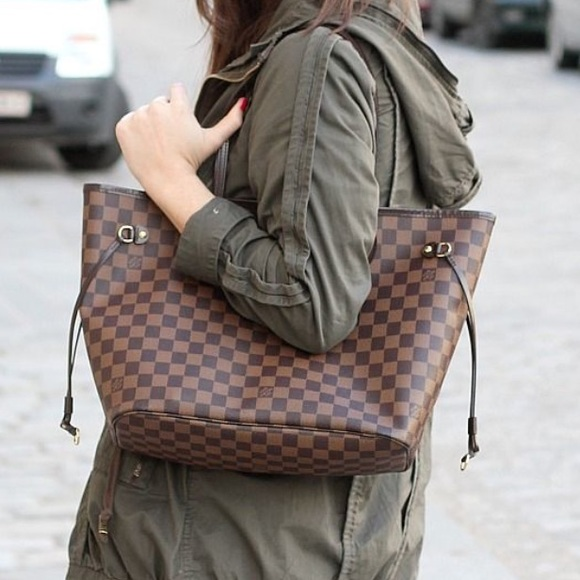 88d77c66c9 Louis Vuitton Bags | Lv Neverfull Mm In Damier Ebaneavailable 4 ...