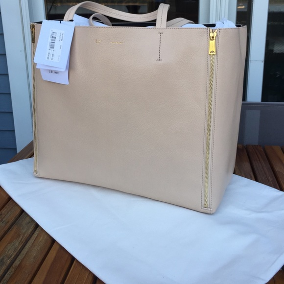 Brand new GORGEOUS CÈLINE Gusset bag. Boutique. Celine 2fc4d5e4899b7