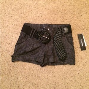 My Michelle short with a belt NWT