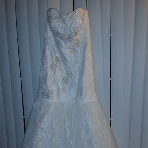 Ivory Trumpet Style Wedding Gown Sz 8
