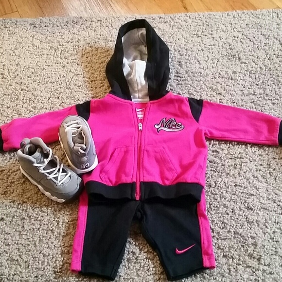 Nike Other - Baby Girl Nike Outfit 3-6 Months d9f6caed2