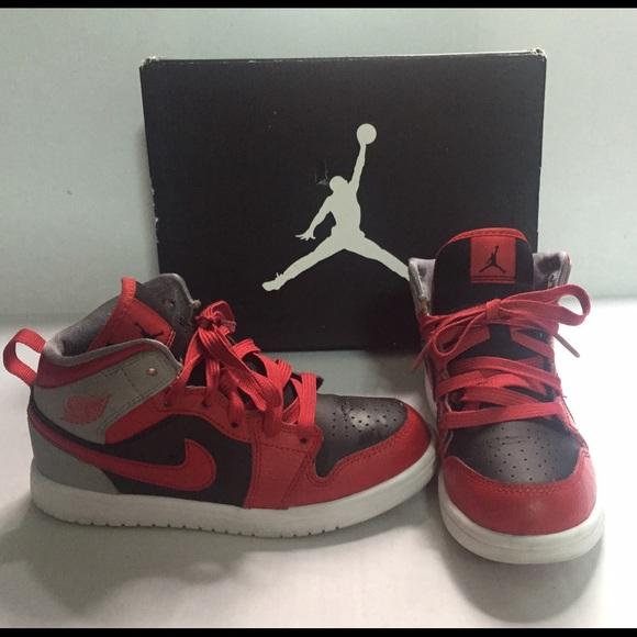 best loved d8365 ada16 Air Jordan 1 Toddler Retro Black Red Sneakers