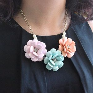 Jewelry - Large Pastel Flowers Statement Necklace
