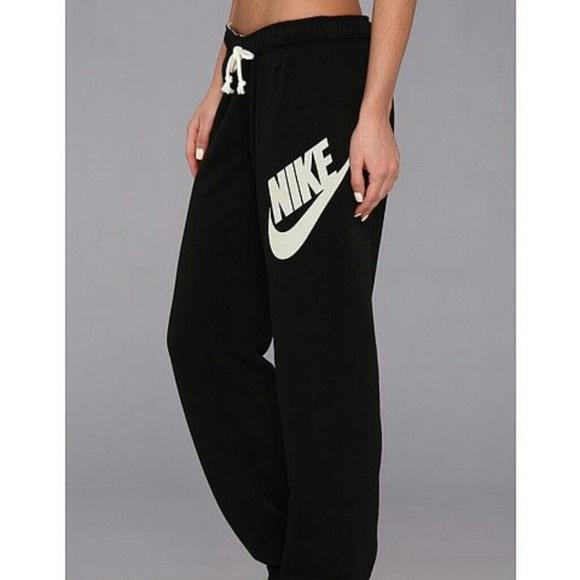 Nike Pants - Womens Nike Sweatpants fb382f2deb