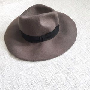Forever 21 Accessories - F21 wool felt floppy hat