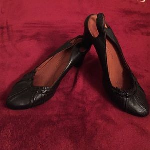 Kenneth Cole black shoes
