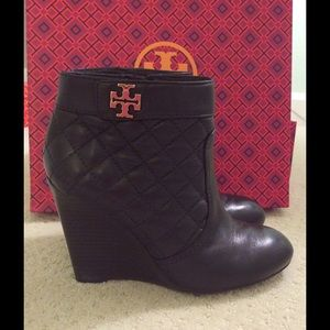 54f412e7e853 Tory Burch Shoes - Tory Burch Leila Quilted Bootie size 6.5