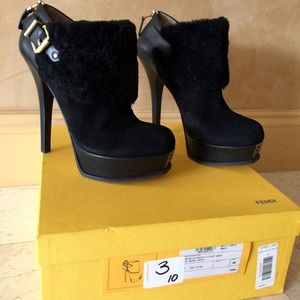 Authentic fendi black suede boots.sz 40.