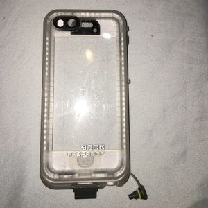 lifeproof 5/5s case