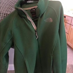 Small north face fleece jacket