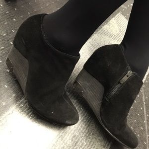 Vince Camuto Shoes - Black suede booties