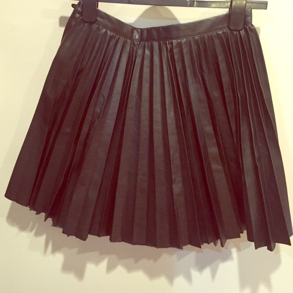 14 h m dresses skirts faux leather pleated skirt