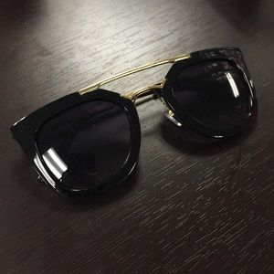 Accessories - Black and Gold Statement Sunglasses
