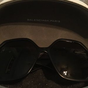Balenciaga unisex sunglasses 100 % authentic