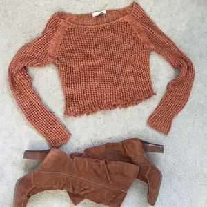 Cropped sweater small