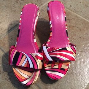 Bamboo Shoes - Pink patterned wedges from Bamboo size 8