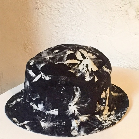 873d8bf6d9fa91 HUF Accessories - HUF bucket hat 💯❕❗ ❕