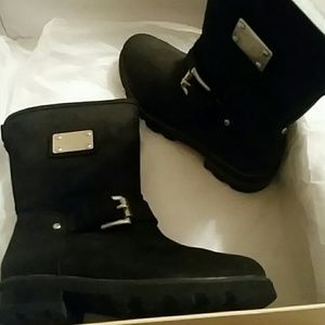 Michael Kors boots size 5.5