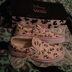 60c5c0af305cc7 Vans Shoes - NEW Disney Vans Minnie Mouse Slip-On Youth 3 Wms 5