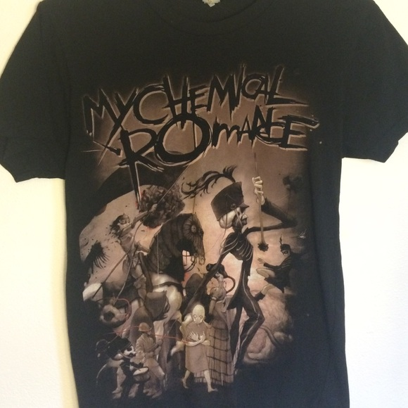Hot Topic Tops - XS My Chemical Romance Black Parade T-Shirt cb334711bb25