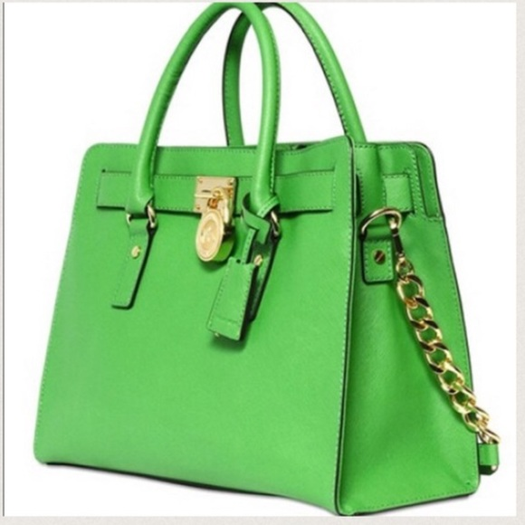 86087bf06ac9 Michael Kors Bright Apple Green Purse Handbag. M 562127ed4e95a37b140011db