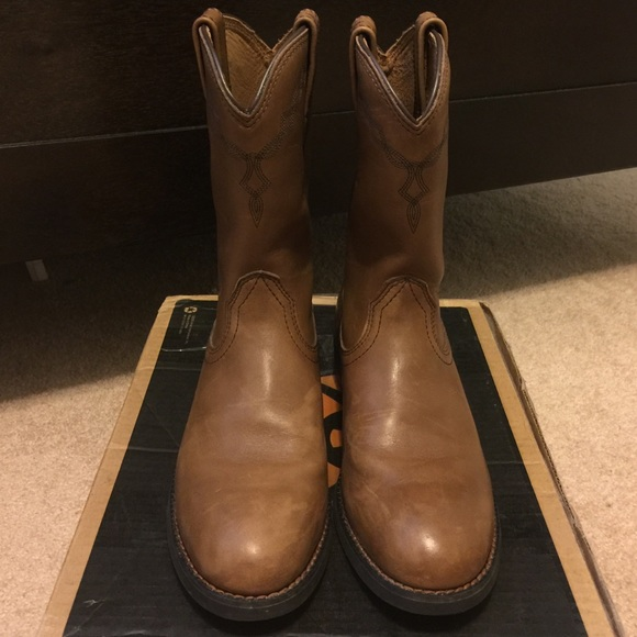 753bd127f3b Ariat Shoes | Womens Heritage Roper Toe Boots 9 Height | Poshmark