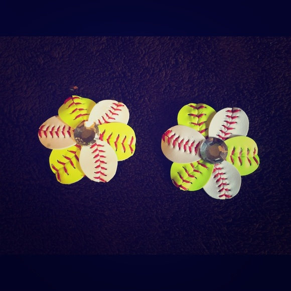b95c8cf52cc31 Etsy Accessories - Baseball Softball shoe clips. Sale ends March 1.