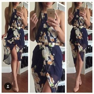 Dresses & Skirts - Twisted floral dress