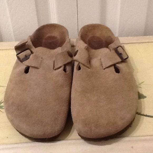 48458be0e97d Birkenstock Shoes - BOGO 50%off my closet! Classic Birkenstock clogs