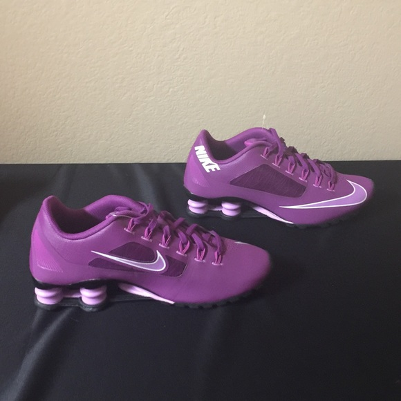 090d4f9bbcb New in box Purple Nike Superfly R4 Shox Shoes Sz 7