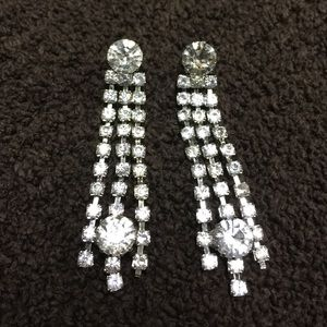 Jewelry - 💎Vintage Rhinestone Earrings 💎