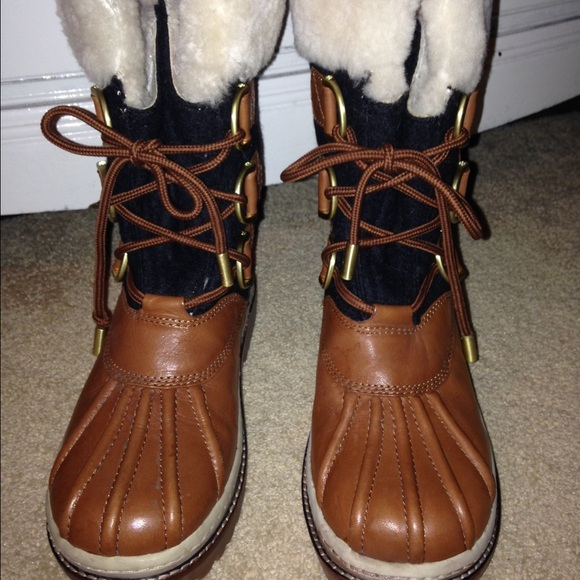 0b2ce6ef8b75 NWOT Tory Burch duck rain snow boots. Shearling. M 562235a3afcd0e773400c9b8
