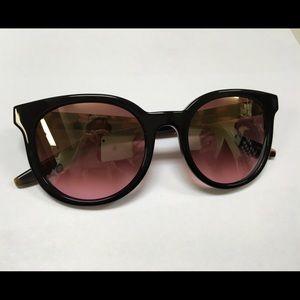 """Barton Perreira Accessories - Barton Perreira """"Baez"""" sunglasses. Comes with case"""