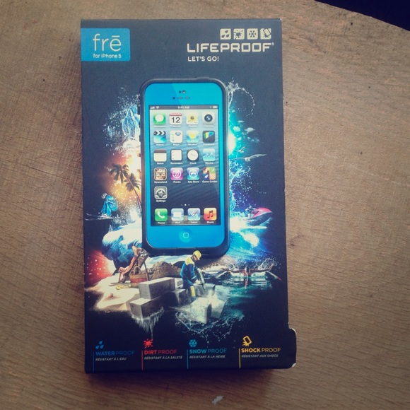 newest 07ad5 8ffb6 New in box Lifeproof case iPhone 5! 💙 NWT