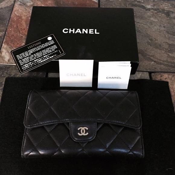 b171202df6eef6 CHANEL Handbags - ⭐ Authentic Chanel Lambskin Quilted Wallet Black
