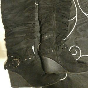 Over-the-knee boots, 6.5