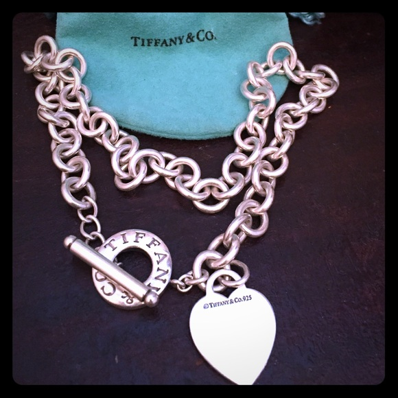 69910acb38ff3 Authentic Tiffany & Co. Heart Toggle necklace