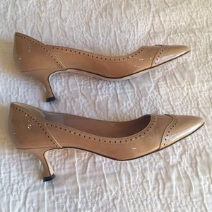 61bf743dfe Manolo Blahnik Shoes - Manolo Blahnik hand made Italian patent pumps