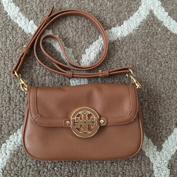 1e1f74f3219 Tory Burch Amanda-Mini Crossbody Bag. M 5622ffddea99a649f2011d33