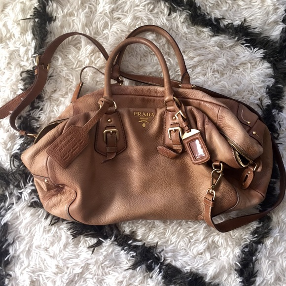 💯Prada Antik Cervo Light Honey   Cognac Satchel. M 562fff9641b4e08b5200102f 25c32ccfb5