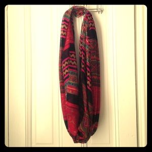 Accessories - Tissue weight circle scarf