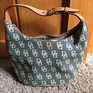 Dooney & Bourke hand bag