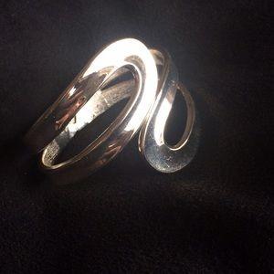 Jewelry - Silver tone hinge swirl design bracelet