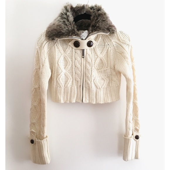 Forever 21 - FINAL PRICE💕F21 faux fur cropped sweater🌟 from ...