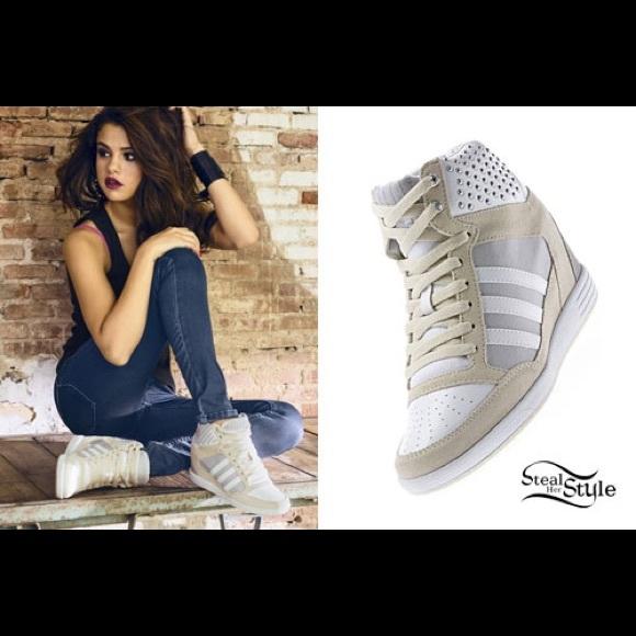 c3c3374d1e1aaa Adidas Shoes - 🎉HP 12 18🎉Adidas sneakers Selena Gomez Neo