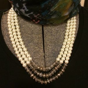 Pearl and stone smoky necklace