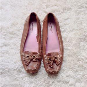 Isaac Mizrahi leather boat shoes